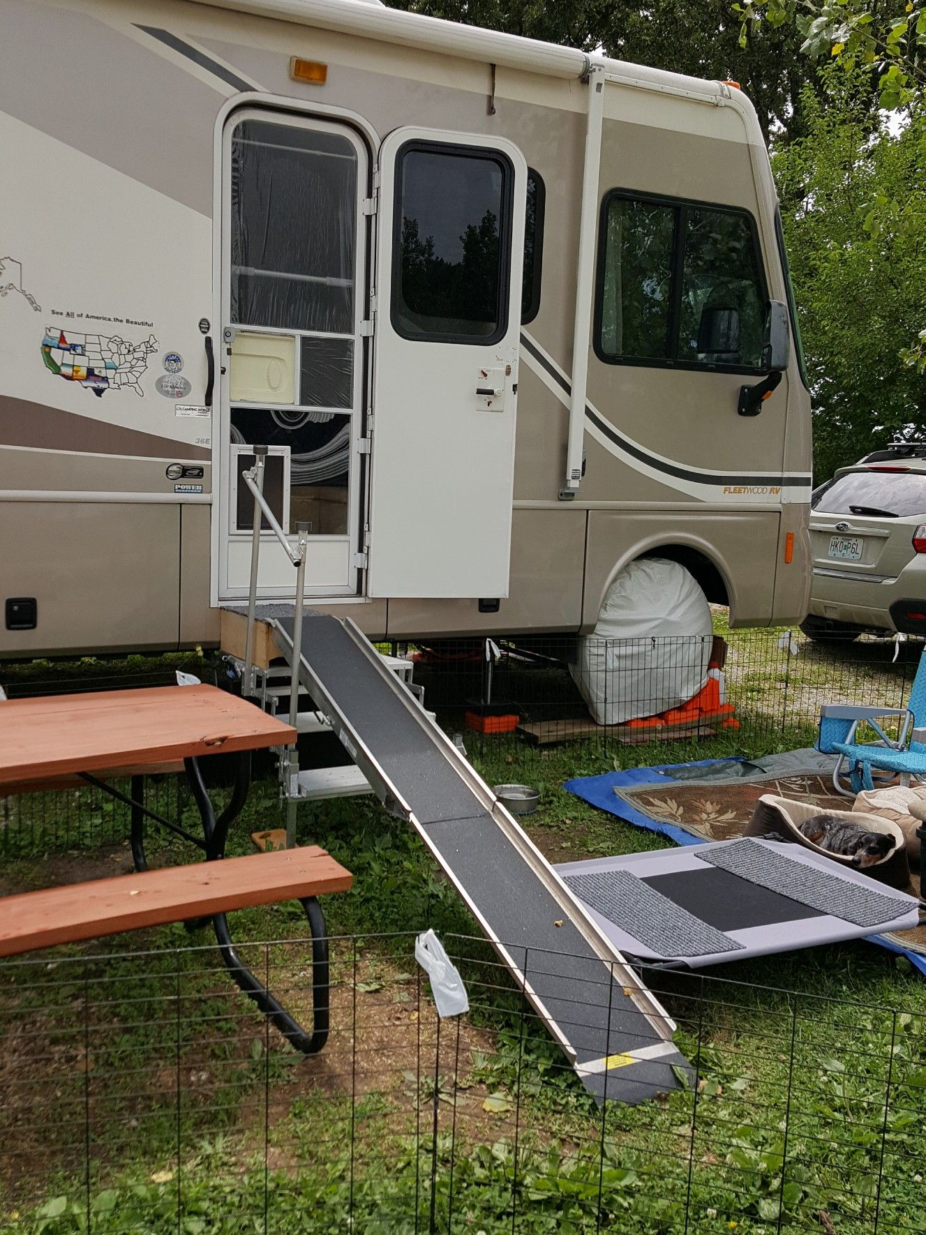 Pin By Erika Backes On Campers Rv Exterior Camper Living Travel Trailer Camping