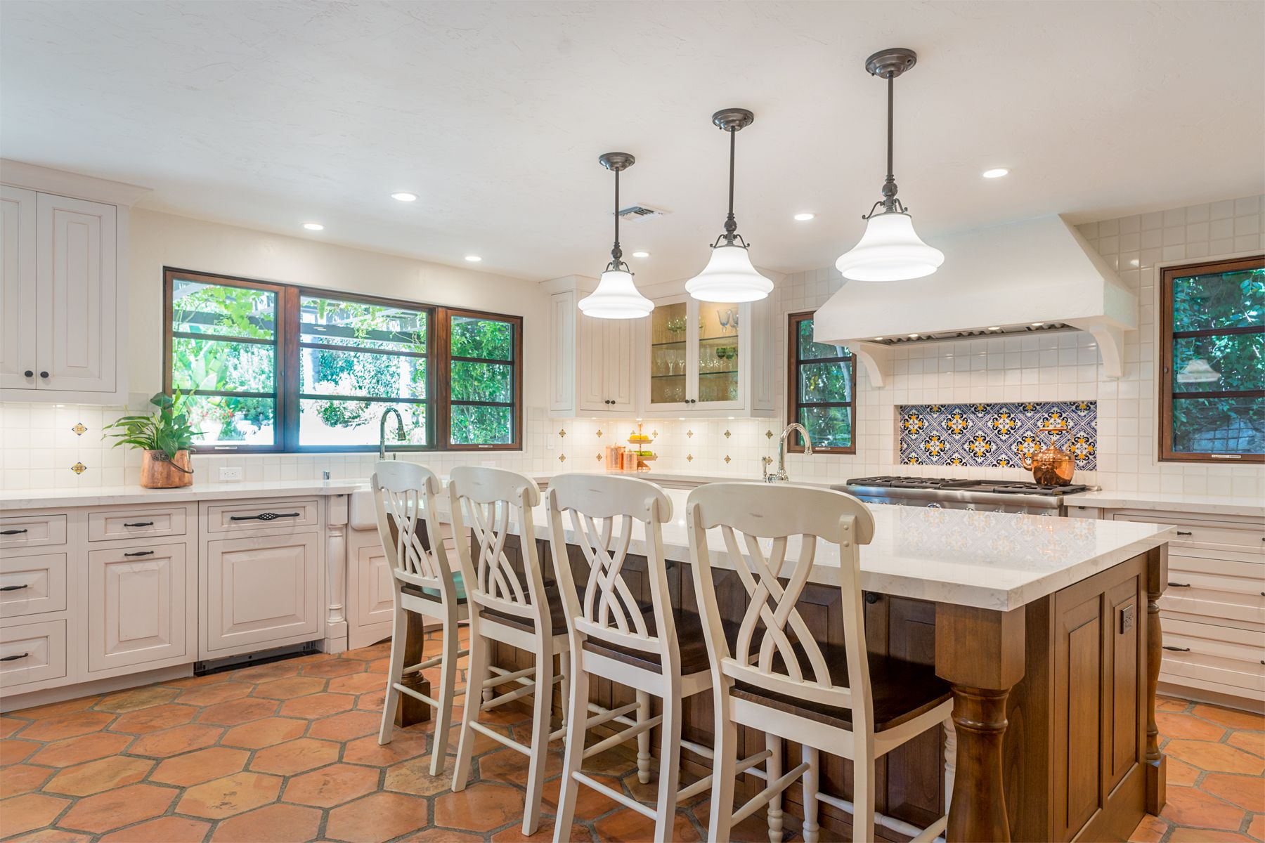 A Contemporary Spanish Style Kitchen Renovation With A U Shaped Layout In Westlake Village Histor Spanish Style Kitchen Mediterranean Home Decor Spanish Style