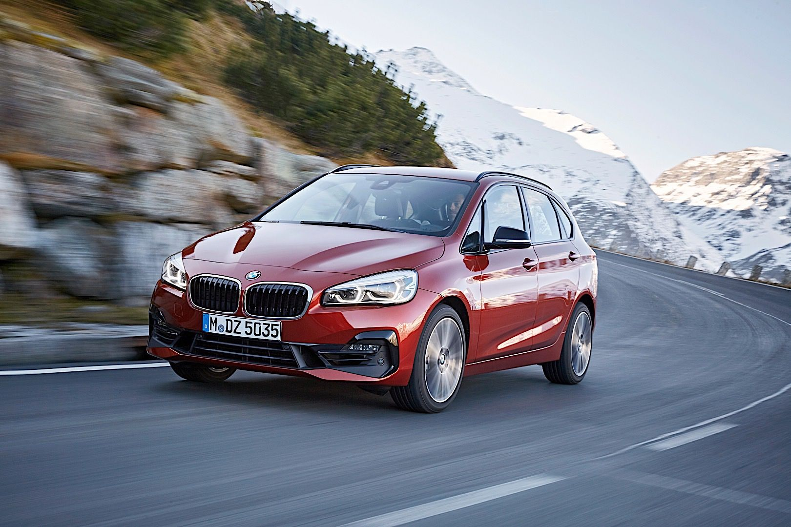 Spied Bmw 2 Series Active Tourer Interior Seen With New Console In 2020 Bmw Bmw 2 Living In Car