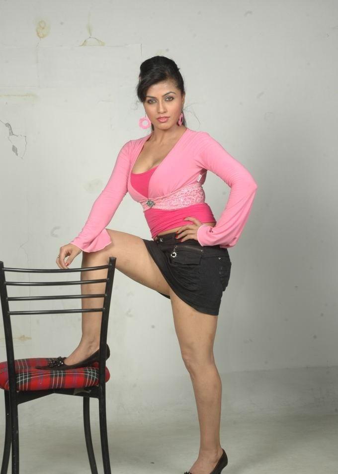 Aarthi Poori - Pesquisa Google   Bollywood Actress   Pinterest