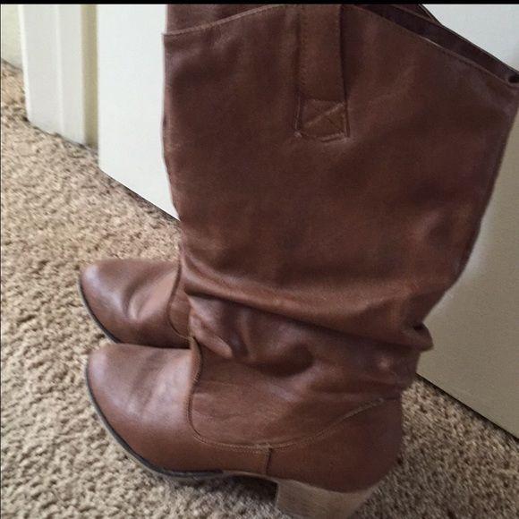 Cowboy boots size 8.5 Brown cowboy boots size 8.5 Shoes Combat & Moto Boots