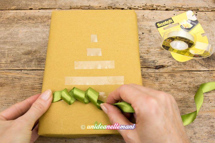 Come mettere un nastro su un pacchetto in modo originale