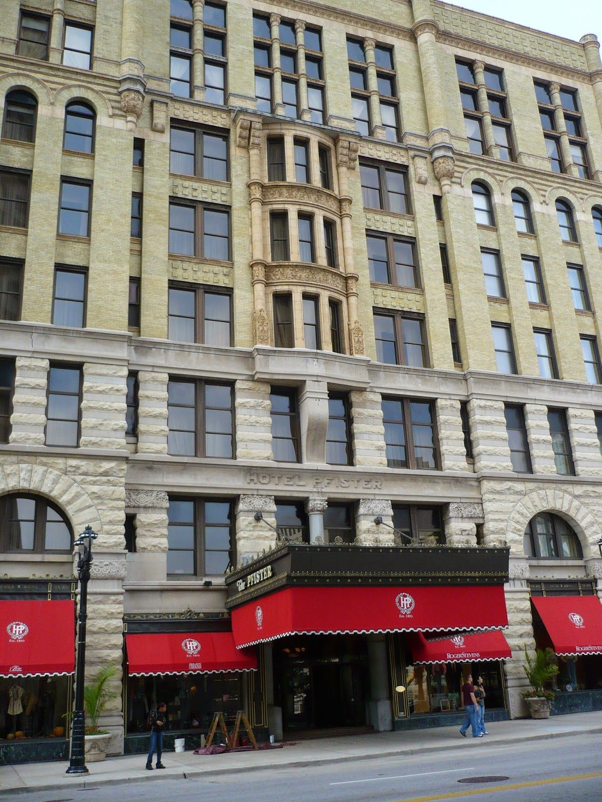 Beck's Everyday Ghost Hunters: THE PFISTER HOTEL, MILWAUKEE, WISCONSIN-ELEGANCE, ...