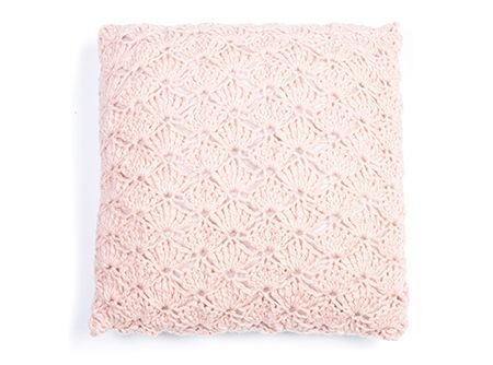Kussen In Schelpsteekcushion Cover In Shell Stitch Pattern