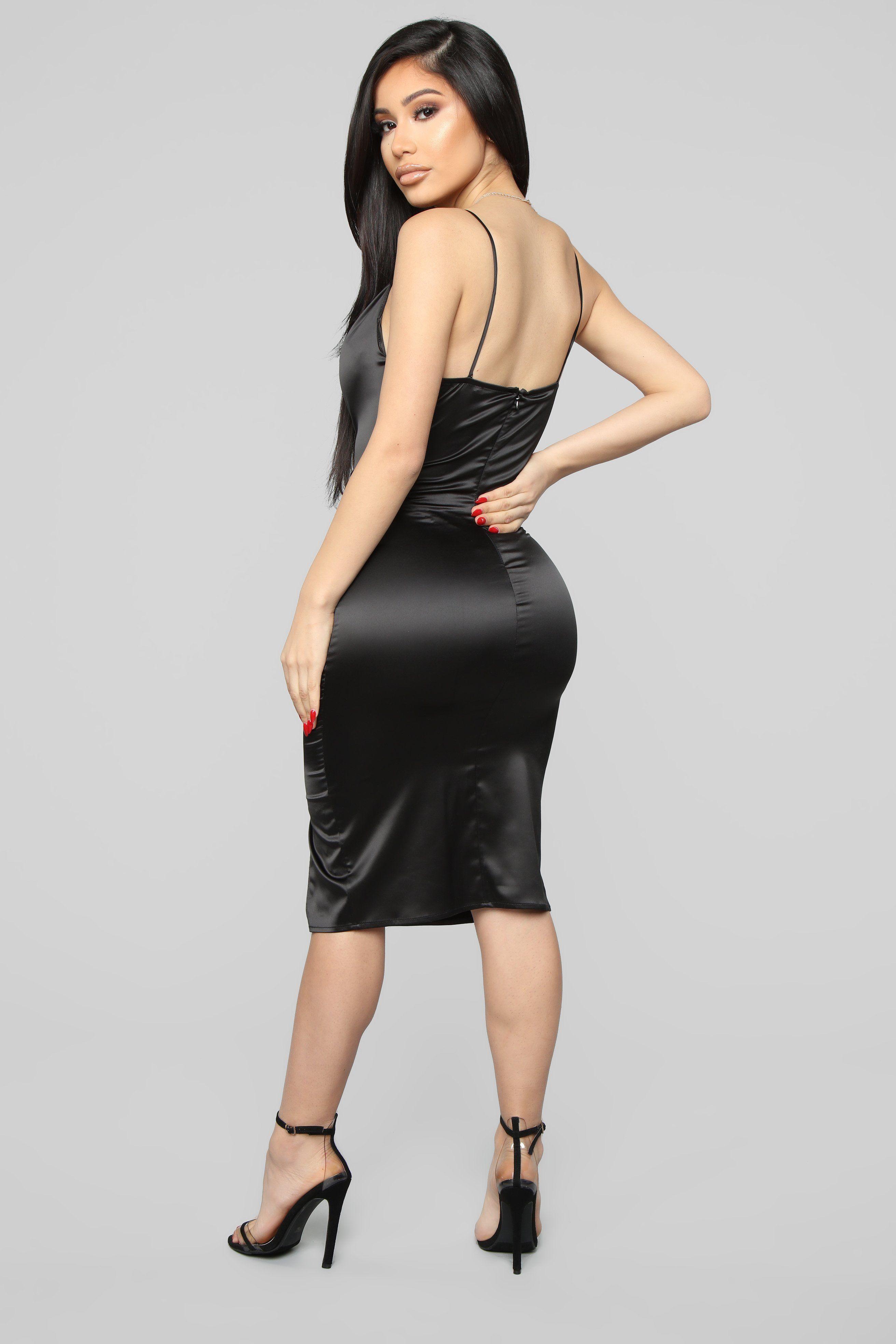 5d932c5e4b4 I Know You See Me Midi Dress - Black in 2019