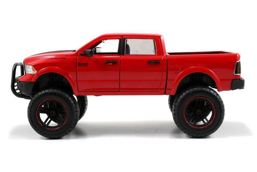 diecast auto world jada 1 24 scale 2014 dodge ram 1500 off road pickup truck red diecast model. Black Bedroom Furniture Sets. Home Design Ideas
