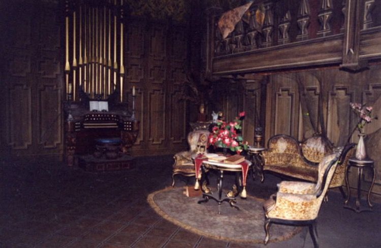 Haunted Mansion Ballroom Haunted Mansion Haunted Mansion Ride Disney Haunted Mansion