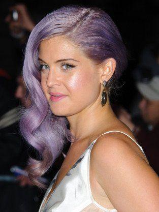 minimum makeup and purple hair