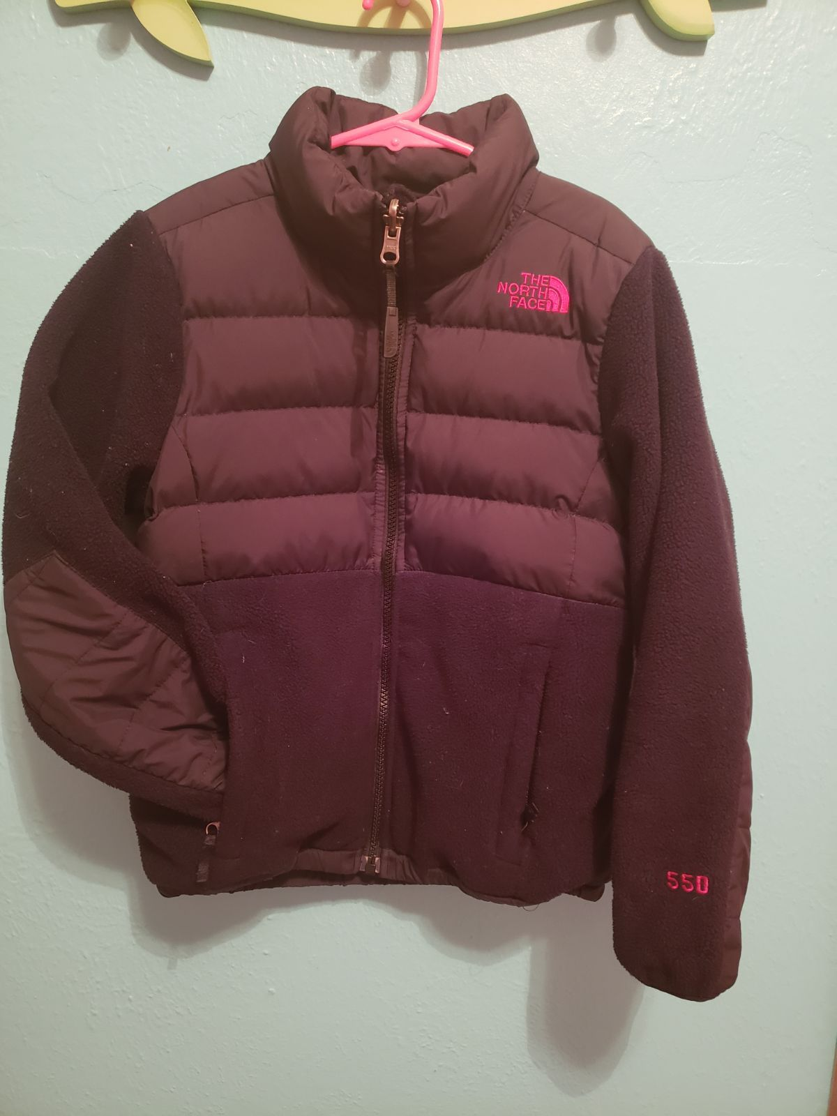 Vguc Black 550 Northface I Loved The Hot Pink Nf Symbol Nothing Wrong With It Daughter Just Doesnt Wear It The 6th North Face Coat The North Face One Pic [ 1600 x 1200 Pixel ]