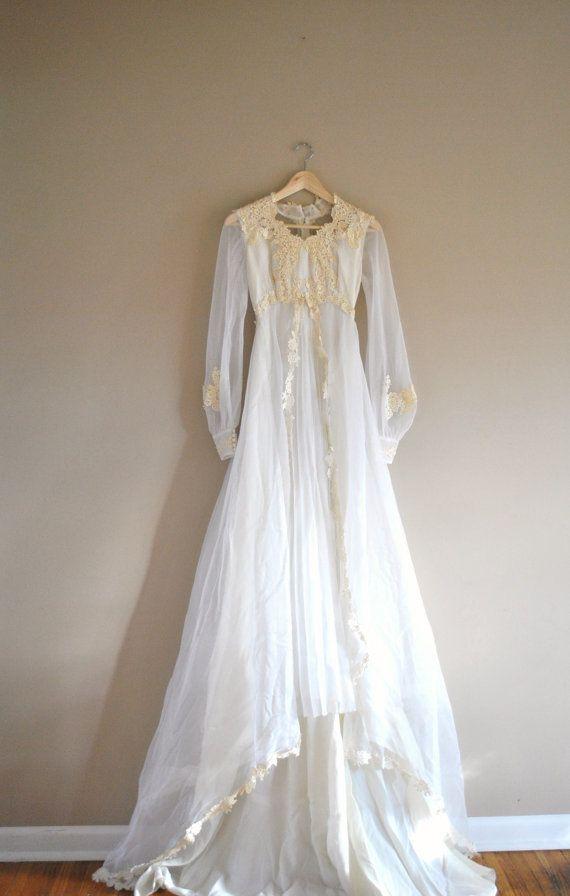 Boho vintage wedding dress / vintage 1960s lace bridal gown ...