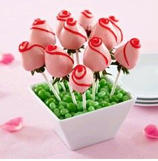 Valentine Chocolate Covered Strawberries Bouquet