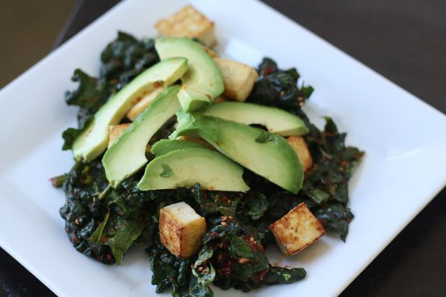 spicy kale salad with tofu and avocado