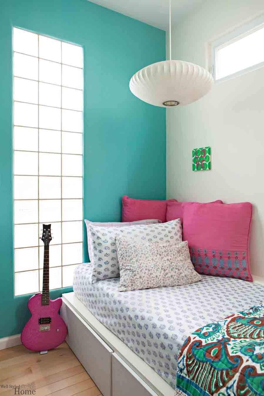 Wall paint colors for girls bedroom - Girly Tips For A Teen Girls Bedroom Decor Ideas I Love This Bedroom Except For The Blanket The Pink Pillow The Guitar And The Walls Being Two Colors