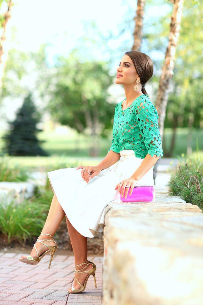 Top: Amanda Brasil / Skirt: Zara / Sandals: Jimmy Choo / Earrings: Ludora / Clutch: Fhits by Camila Coelho @Camilacfcoelho