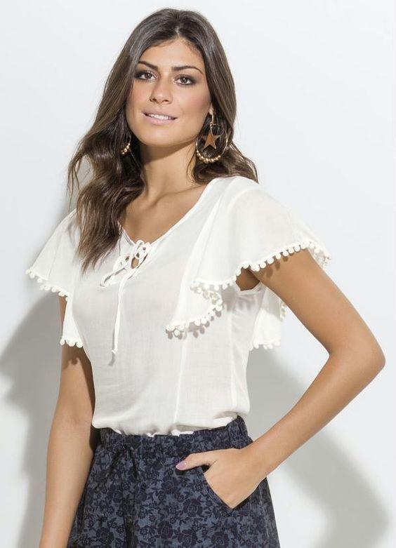 Blusa em Viscose com Pompom Branca Quintess - Posthaus | moda ...