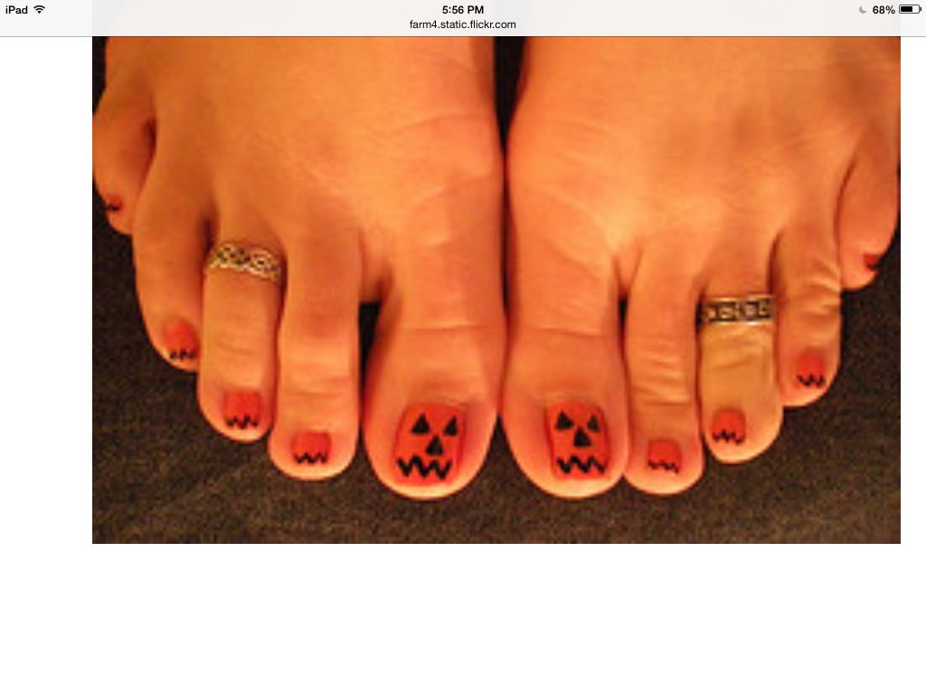 Jack O Lantern Toes For Halloween Toe Nail Art Halloween Toe Nails Toe Nails