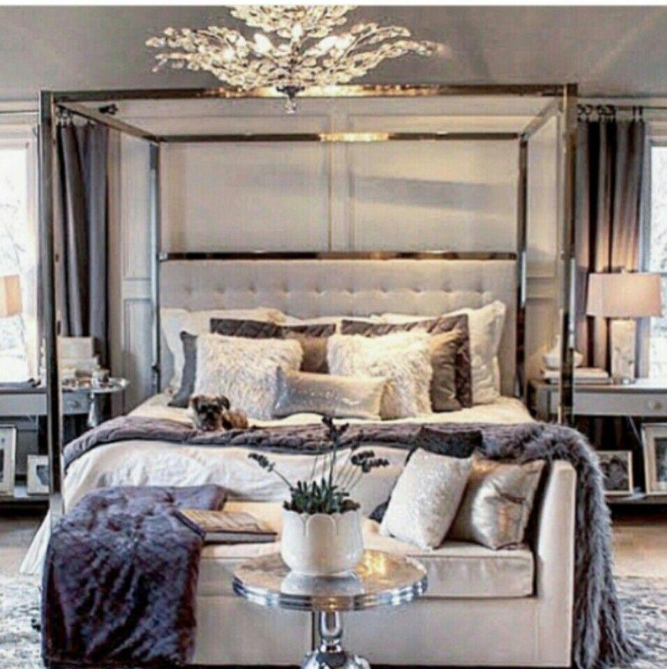 Pingl par yvegine tranquille sur home decor en 2018 pinterest maison chambres luxueuses for Petite maison luxueuse