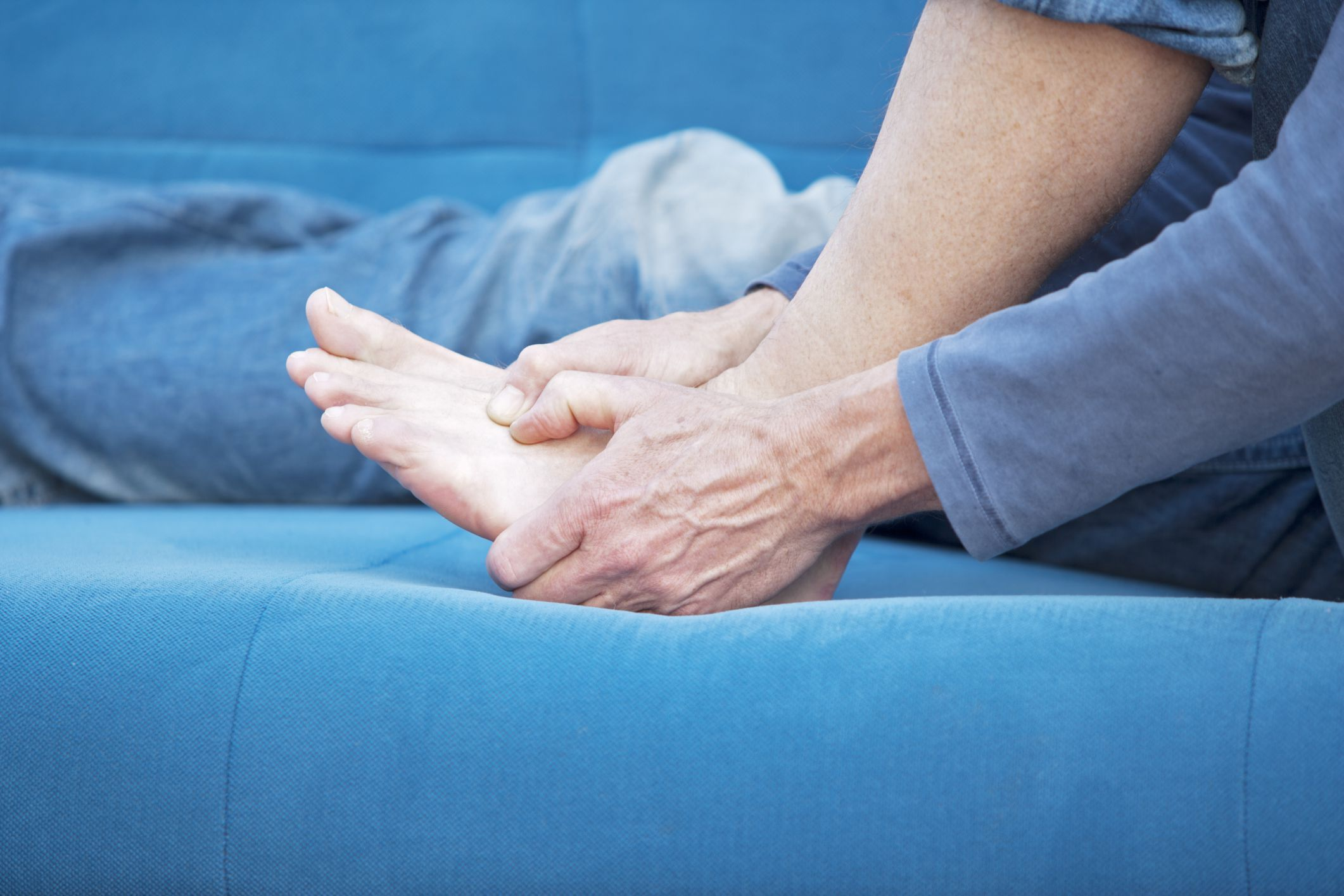 Does fibromyalgia cause foot pain See what research says and what