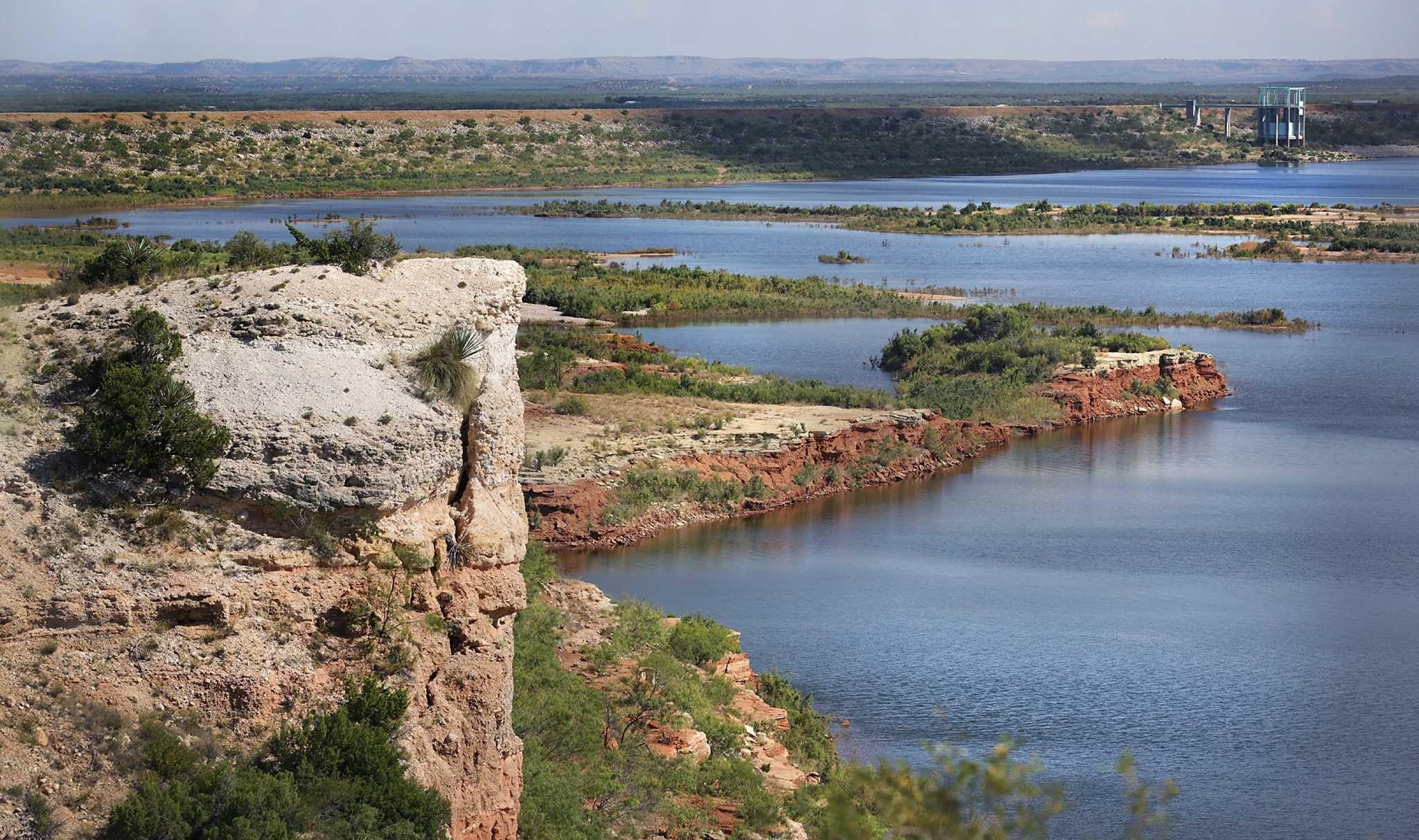 E.V. Spence Reservoir Water, Reservoir, Outdoor