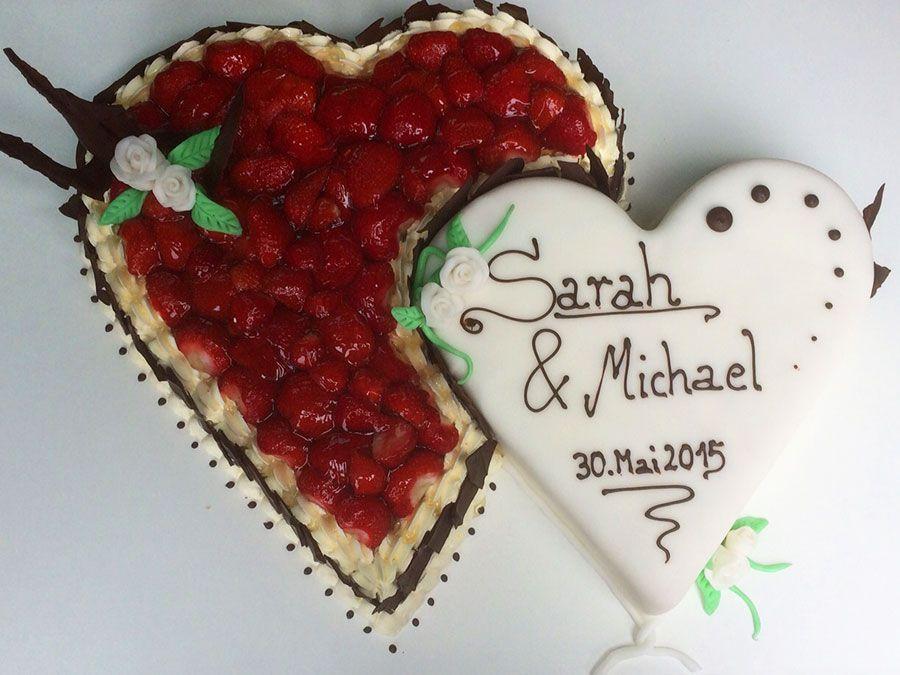 Fruchtige Hochzeits Torte Mit Frischem Obst Hochzeitstorte In