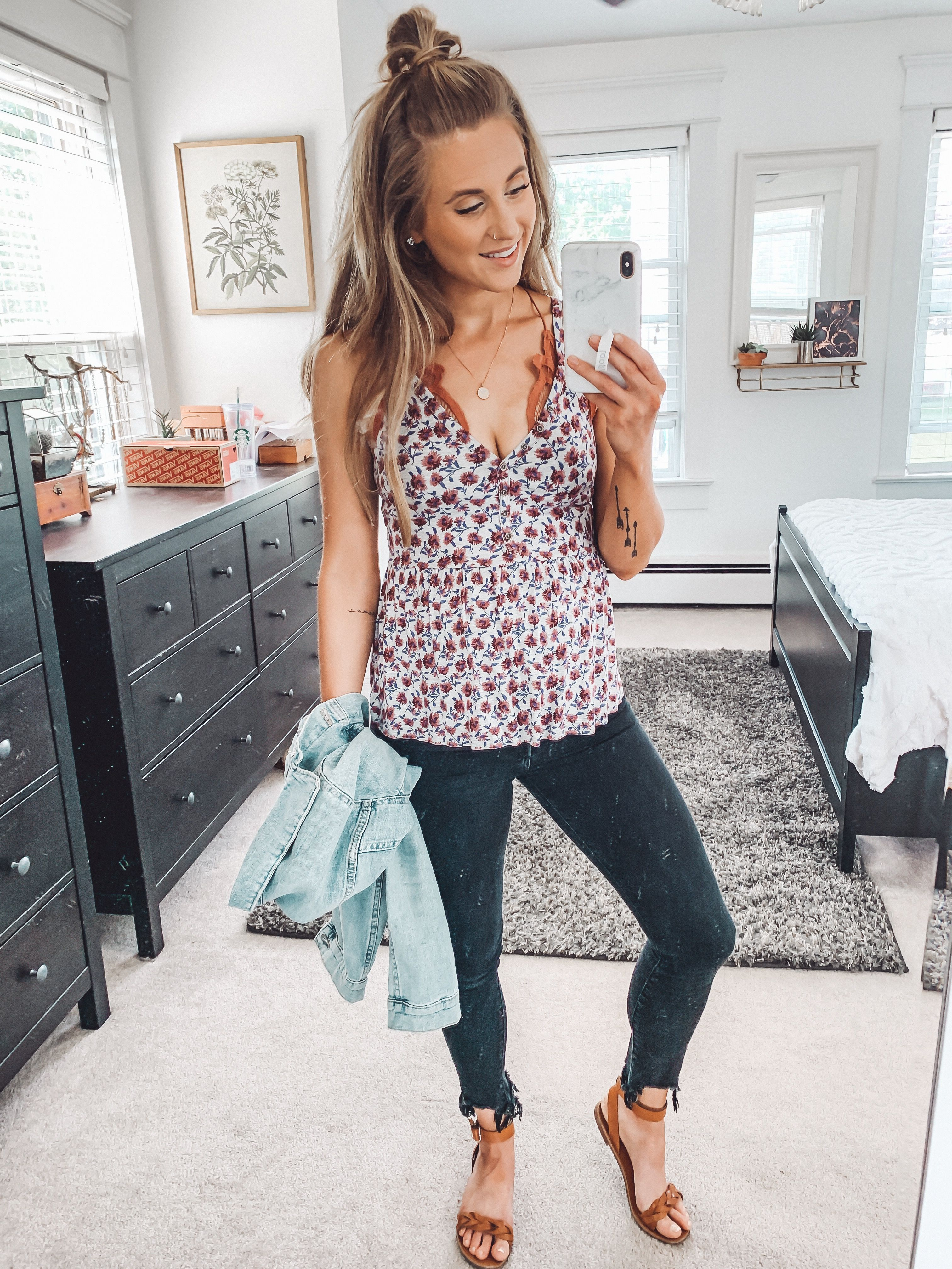 Easy Spring Outfits. Outfit Ideas. Maternity Outfit Ideas. Black