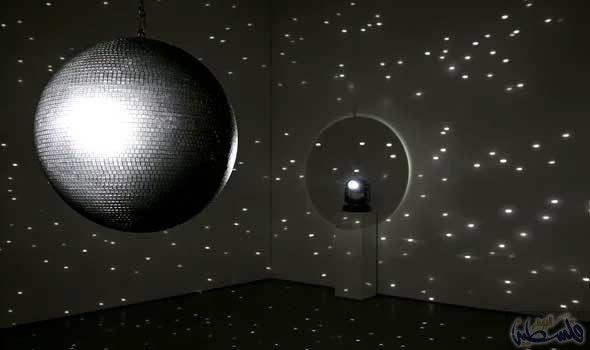عروض فخمة للضوء في معرض إيستبورن في إنجلترا Mirror Ball Eastbourne Light