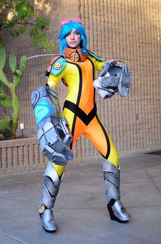 VI (League of Legends) #AACC2014 Amazing Arizona Comic Con