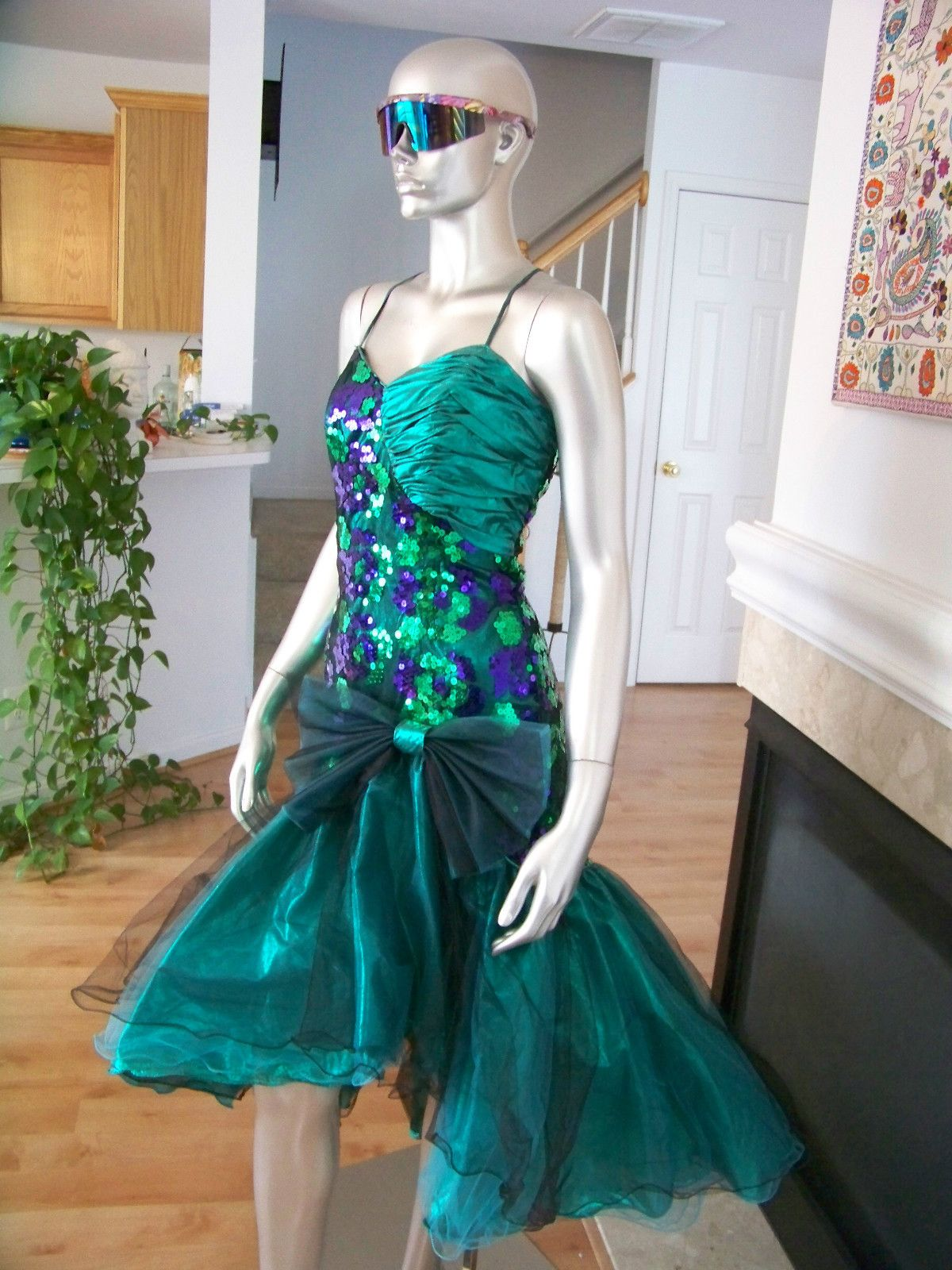 80s prom dress material girl. I actually kind of love this