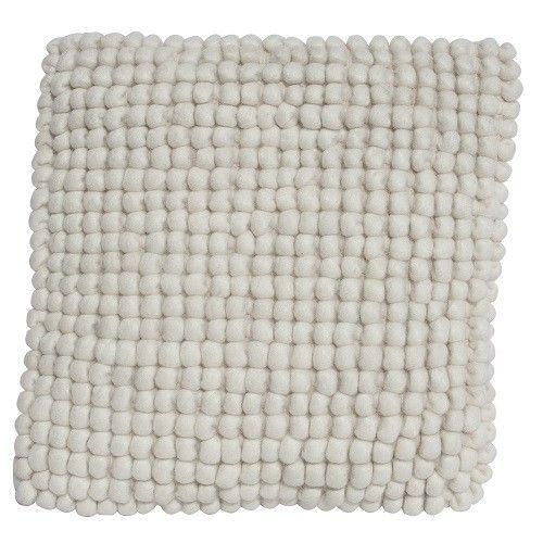 Deze serie wollen kussens bestaat uit een serie van 4 kleuren.