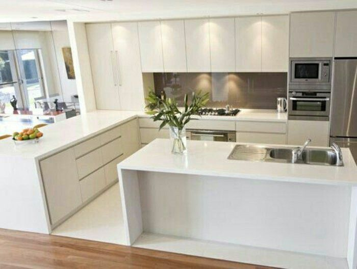 Cuisineblanchelaquéеavecsolenparquetetlinoblancmeubles - Cuisine blanche conforama pour idees de deco de cuisine