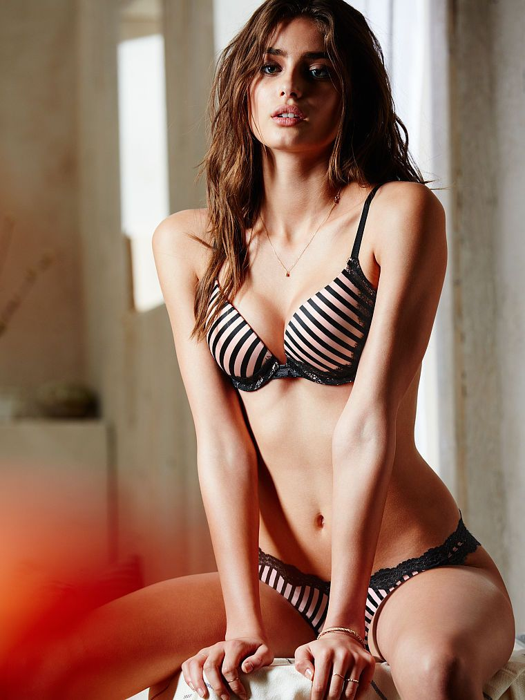 29dd2d2435a Pin by TC Kasse on 09 - Taylor Marie Hill - 2