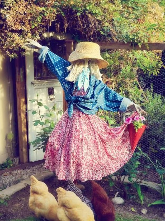 19 Fun Scarecrow Ideas To Make For Halloween And All Year Round - halloween scarecrow ideas
