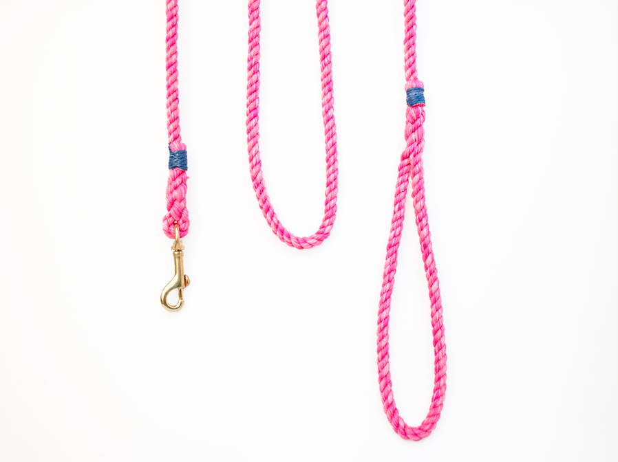 """A leash for the little ones! 1/4"""" cotton rope #lassodogs #ropeleash"""