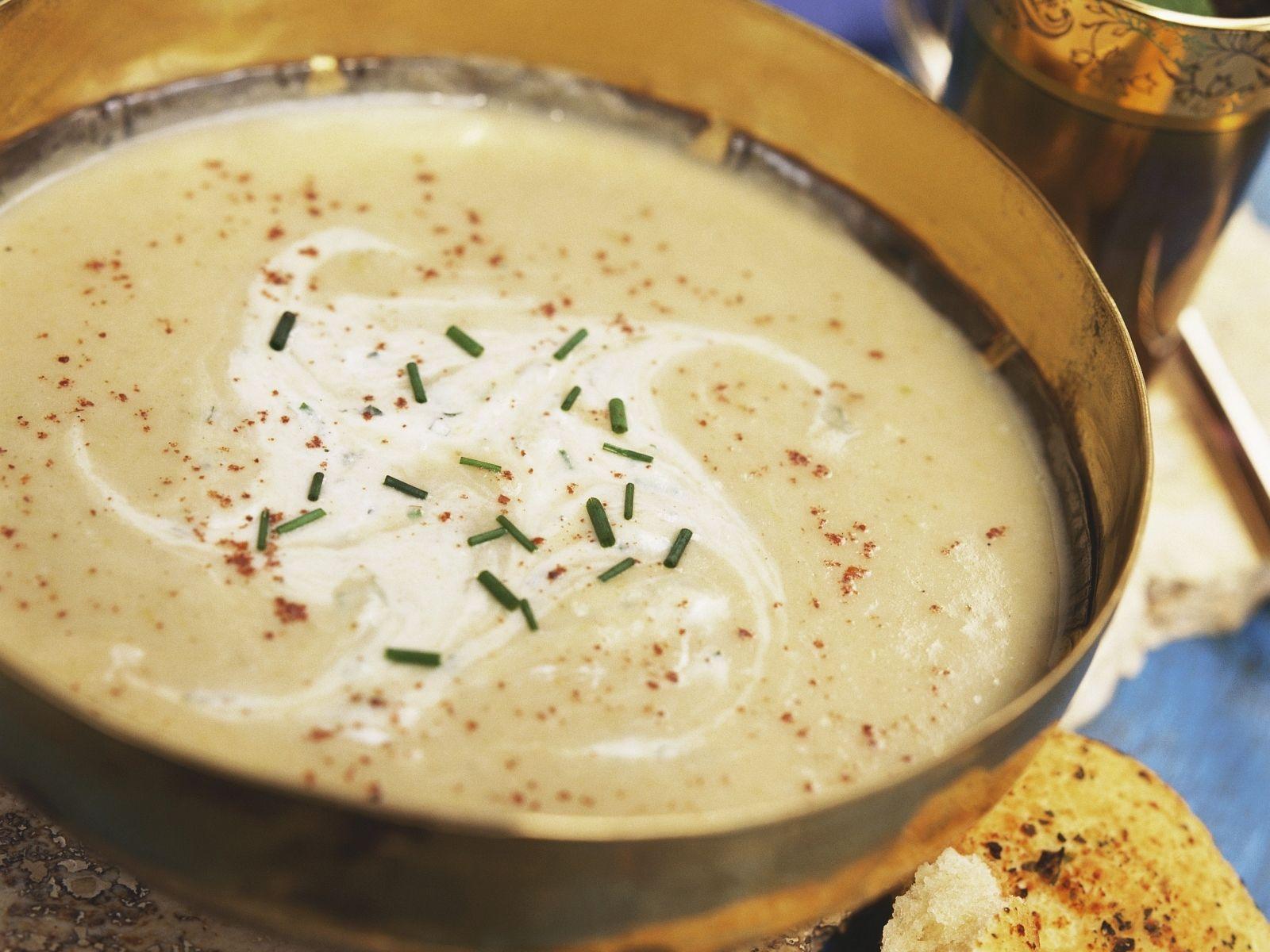 Pastinakensuppe indische gewürzt mit Fladenbrot | Rezept | Pinterest ...
