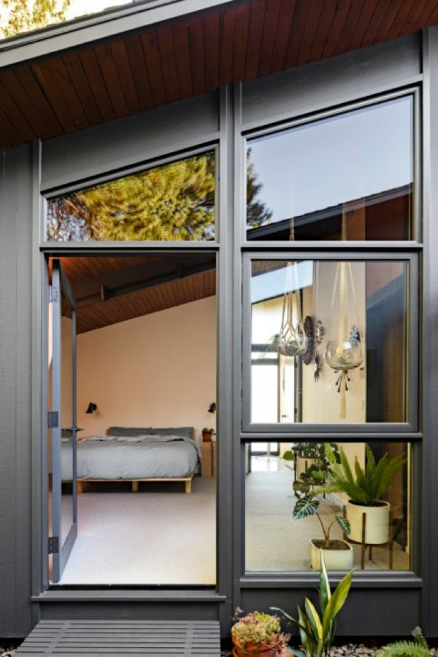 48 Photos Of A Flawlessly Cool MidCentury Modern Home Mid Century Cool Vintage Modern Bedroom Exterior Property