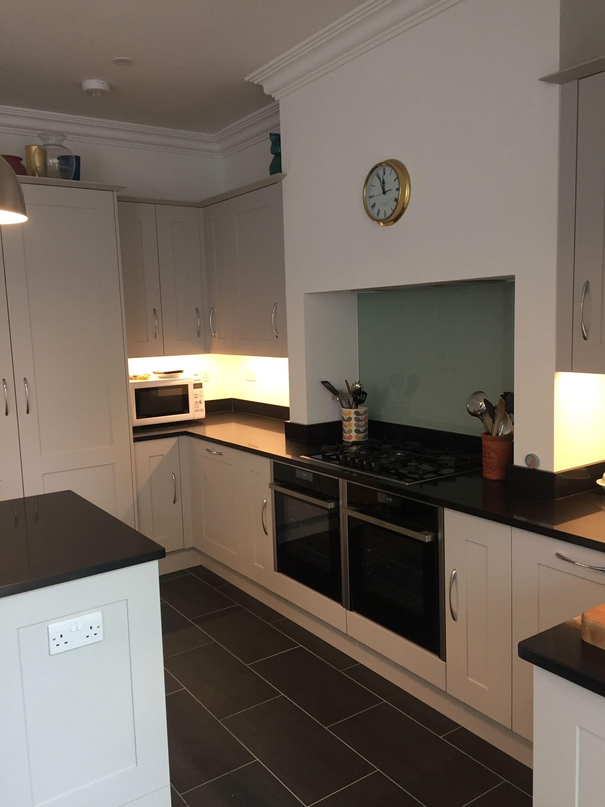 Traditional Kitchen With Belfast Double Sink, Double Oven, Droplights, Kitchen