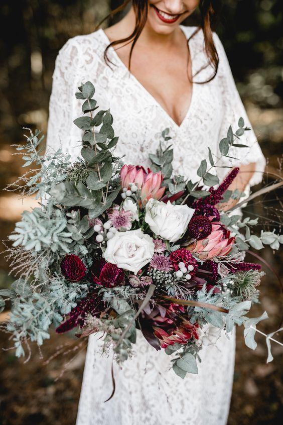 prettiest fall wedding flowers #fallbridalbouquets