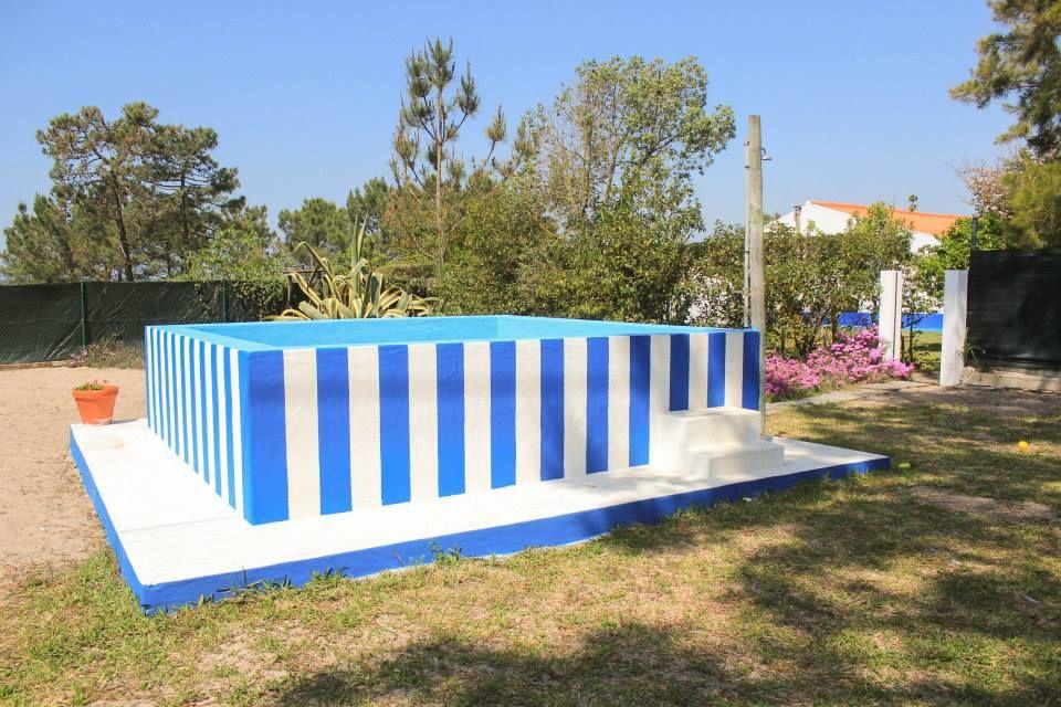 Tanque transformado numa piscina