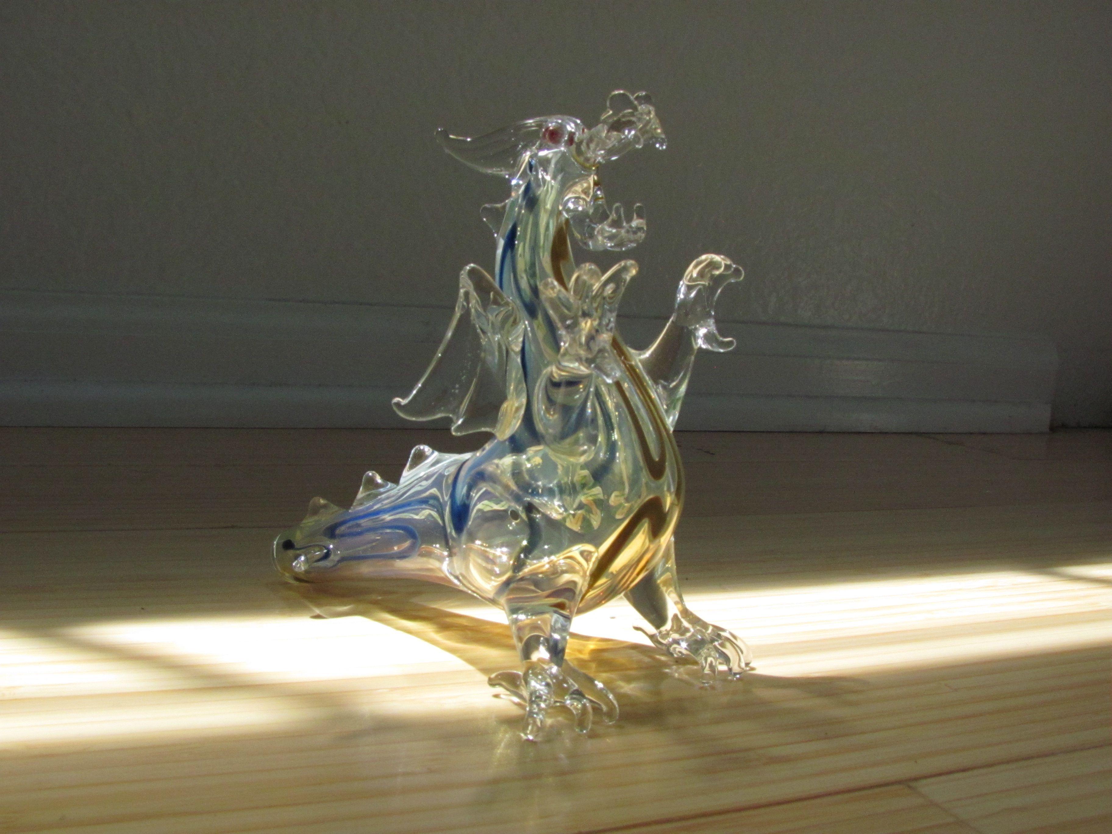 Dragón de vidrio soplado, artesanal. Puerto Vallarta, México.
