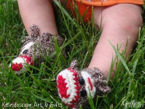 FREE crochet pattern Sock Monkey Baby Booties #cre8tioncrochet ...