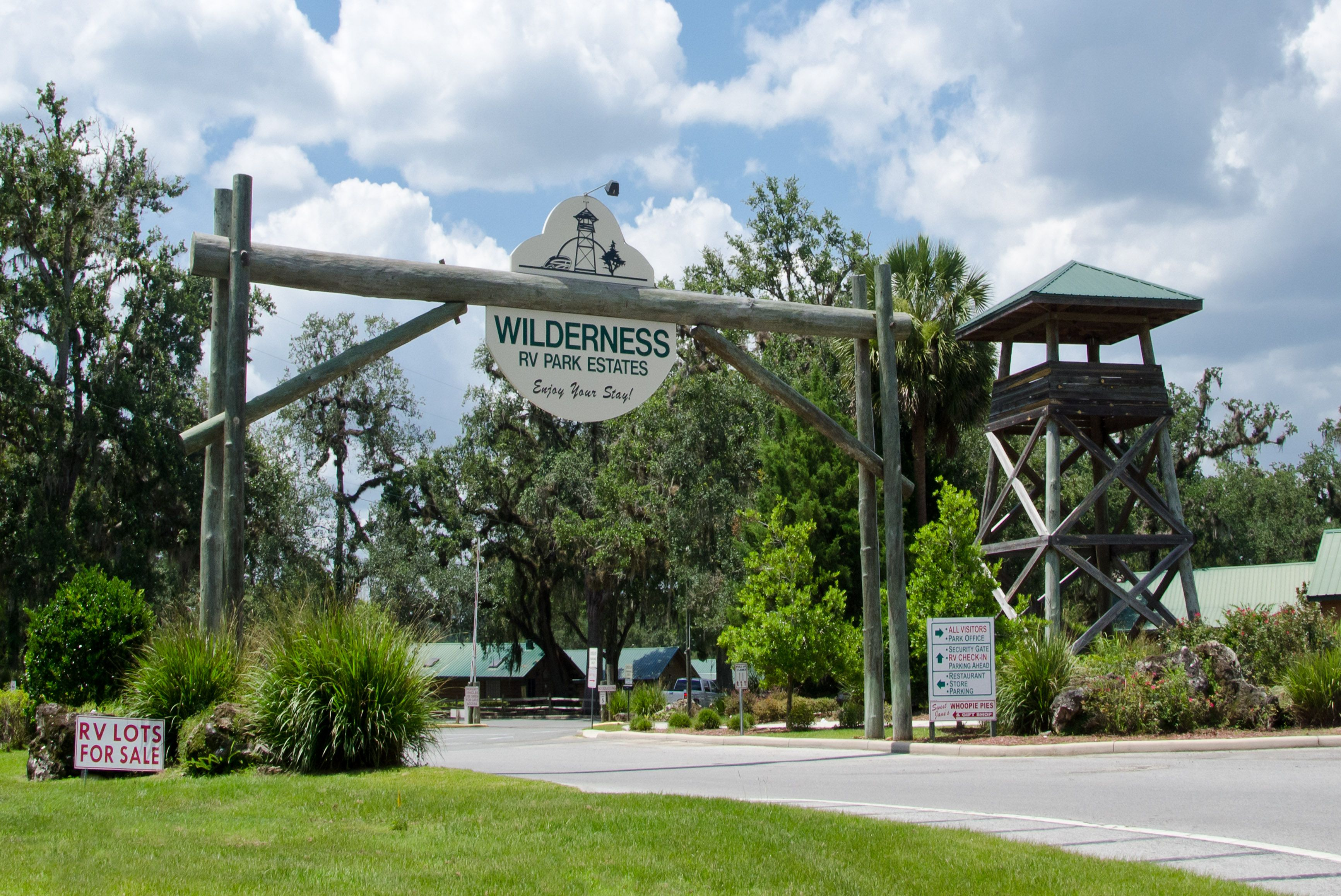 Welcome To Wilderness Rv Resorts At Silver Springs Florida Fl Wilderness Resort Camping Resort Florida Campgrounds