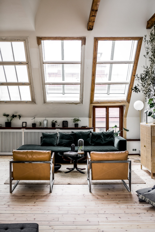 Delightful Mid Century / Modernist Living Room | @styleminimalism