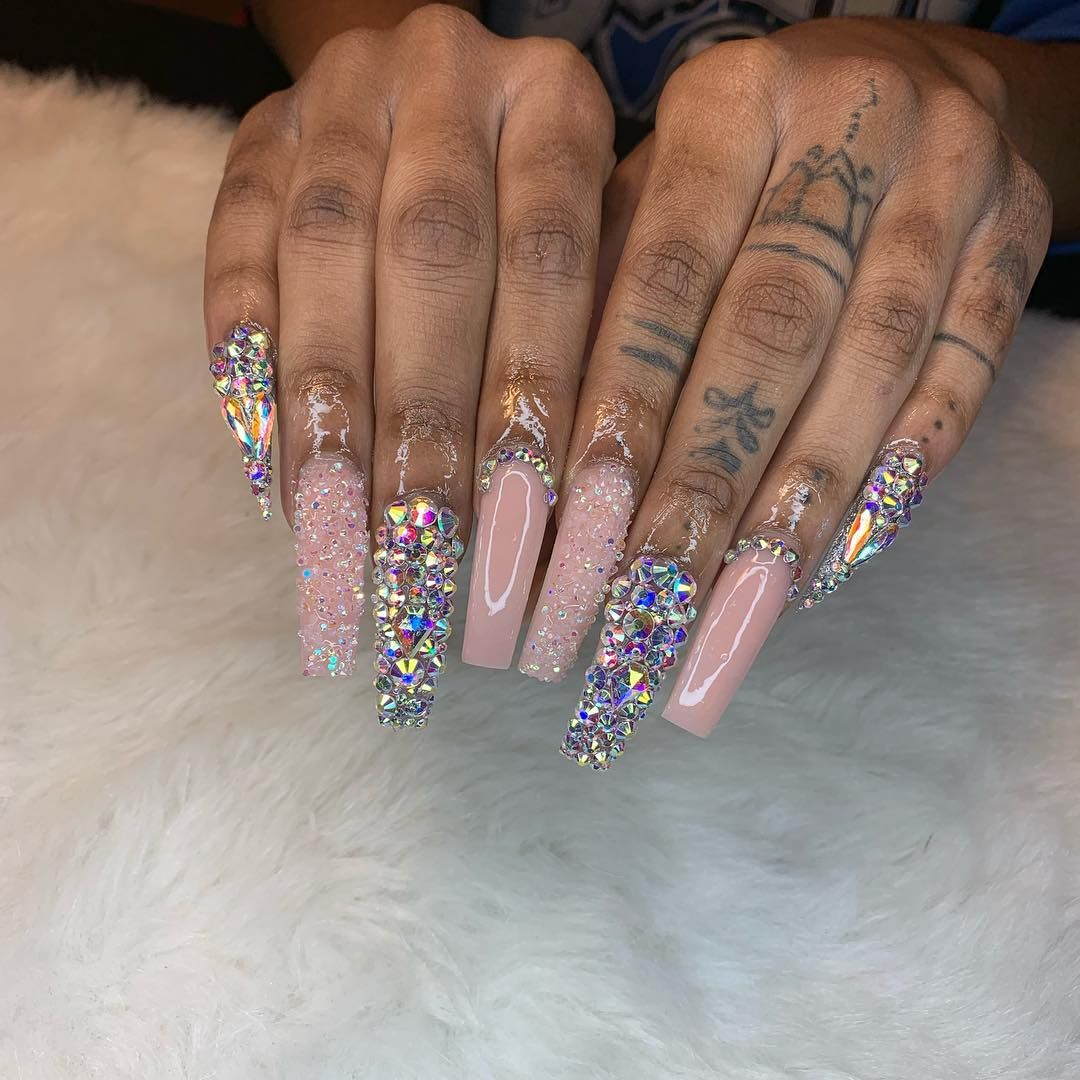 20 Beginner Self Taught On Instagram Frenchieees Swipe For The Before I Can T Shape Super Good On Myself Lo In 2020 Best Acrylic Nails Claw Nails Gel Nails