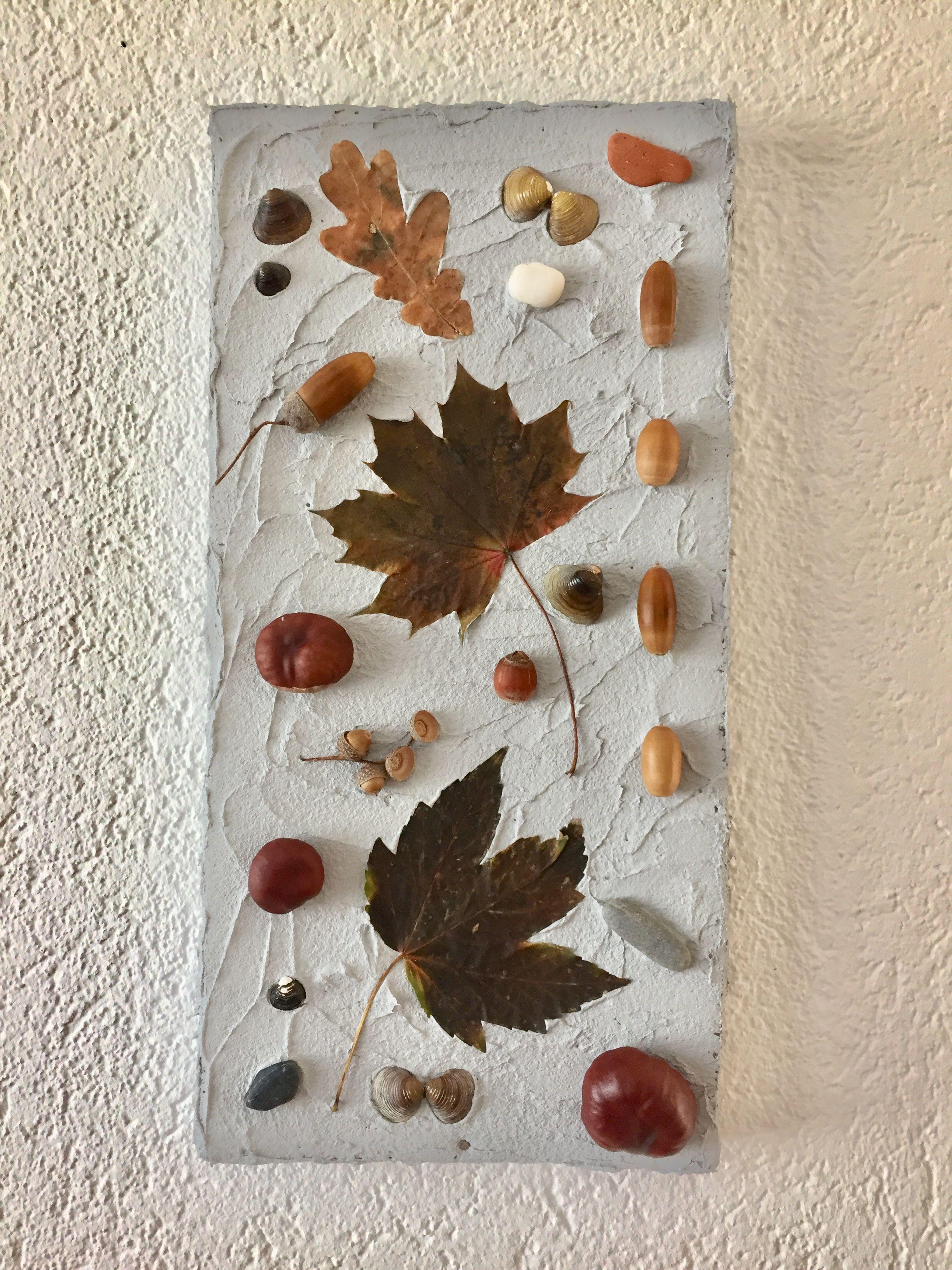 Herbstsammelei Auf Leinwand Mit Betonpaste Kastanien Eicheln