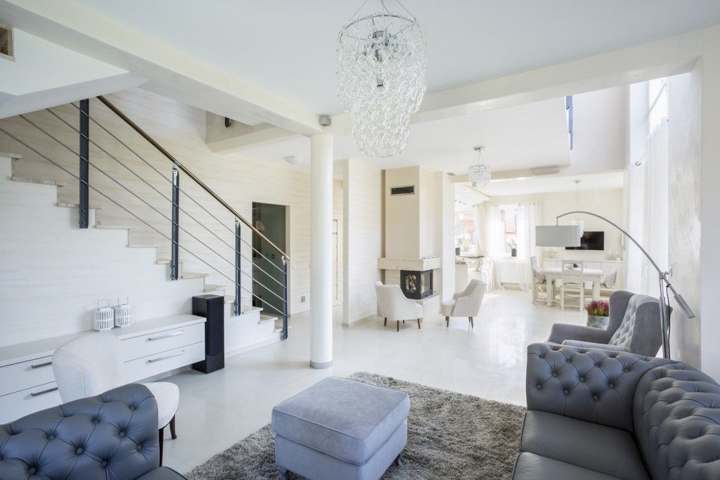 Einrichtung Grau Weiß, Wohnzimmer, Sofa Grau Leder, Teppich Grau