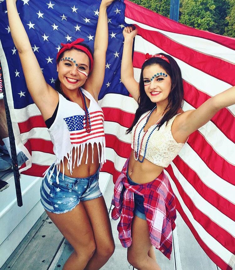 9c7a700c7c9f2 4th of July best friend picture ideas