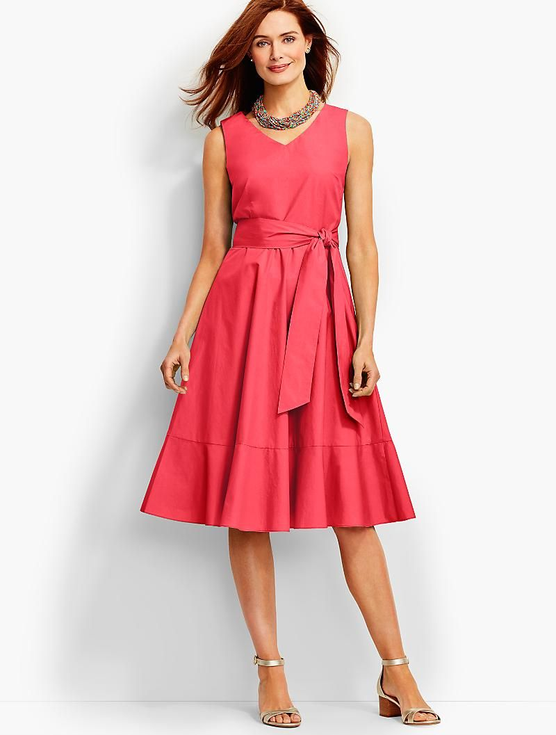 A Simple Fit And Flare In A New Midi Length Crafted From Crisp Cotton Poplin This Warm Weathe Cocktail Attire For Women Casual Cocktail Attire Petite Dresses [ 1057 x 800 Pixel ]