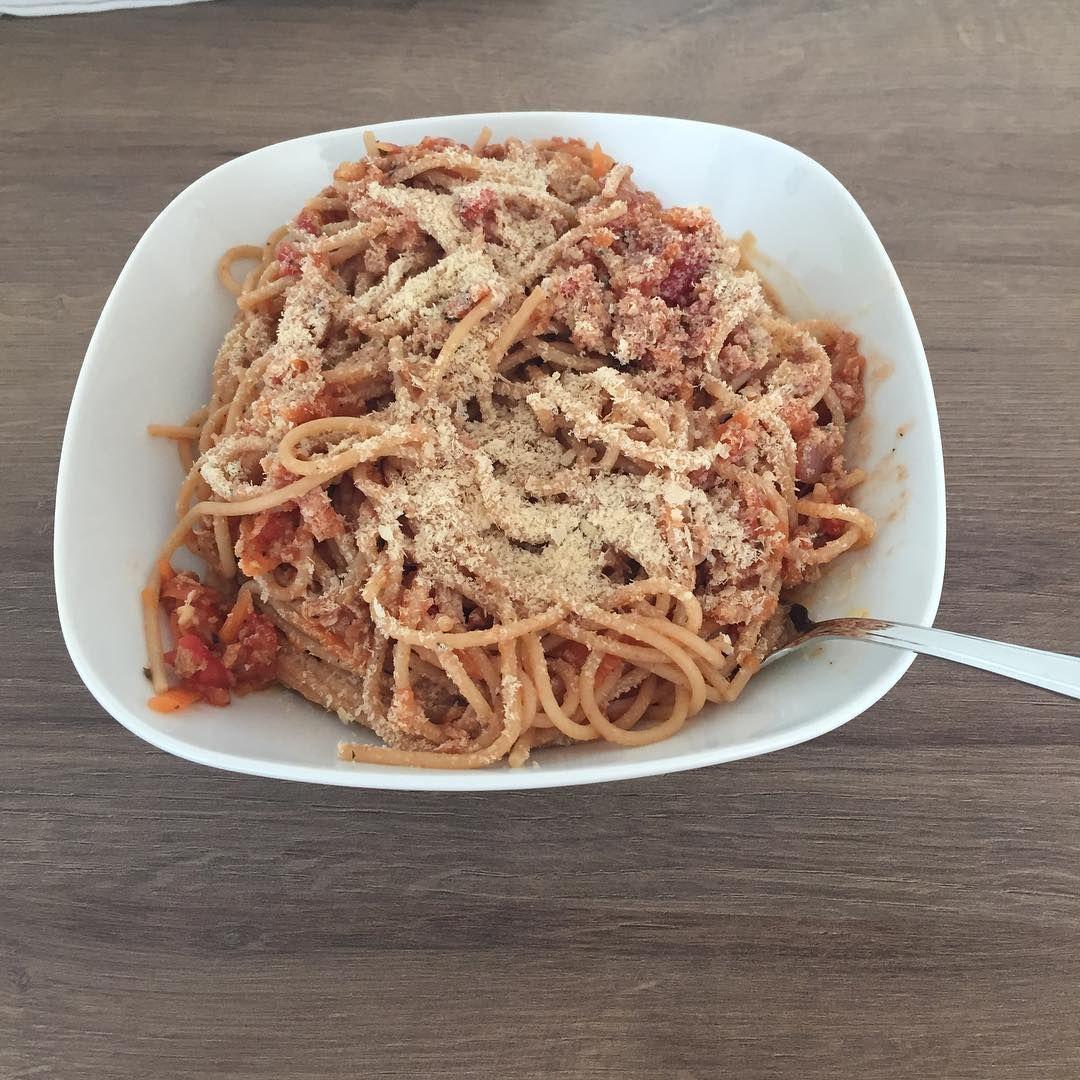 Vegan Spaghetti Bolognese With Nutritional Yeast On Top Vegan Veganfood Veganseat Veganlunch Vegansofig W Whole Food Recipes Vegan Spaghetti Vegan Lunch