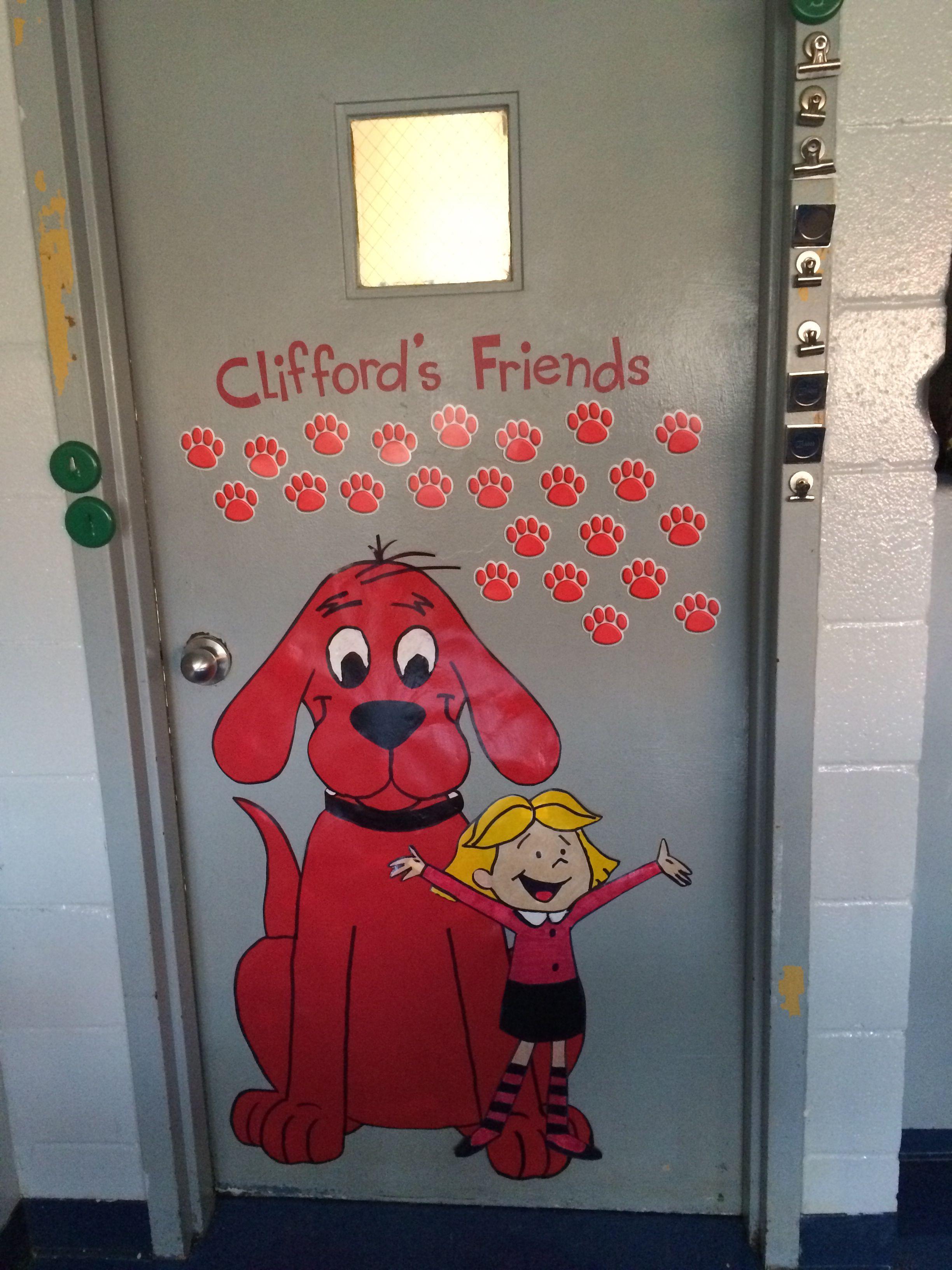 Clifford S Friends Door Decoration