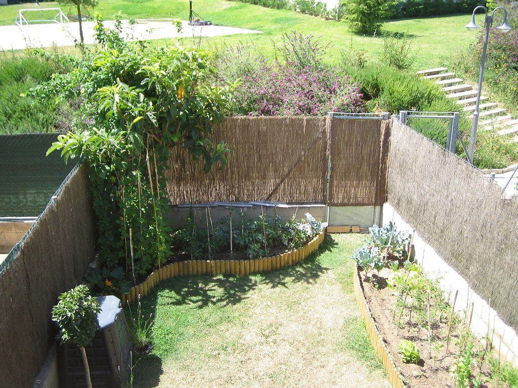 Jardines peque os de casas minimalistas buscar con for Patio con jardin pequeno